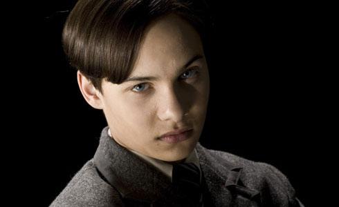 """El maléfico Tom Riddle de """"Harry Potter"""" ya creció: Así de ..."""