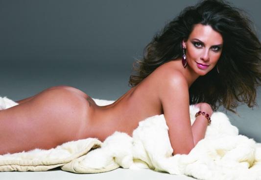 Demi Lovato posa totalmente desnuda y sin maquillaje