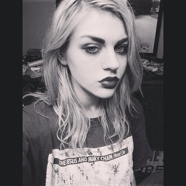Frances Bean Cobain   Twitter