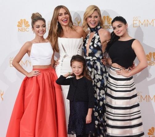 Con el casting de Modern Family. La tercera de izquierda a derecha es Julie | Jason Merritt | AFP