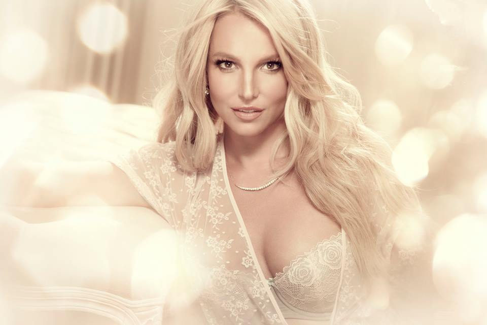 Intimate Britney Spears | Facebook