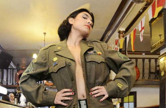 Sara Manríquez (C)
