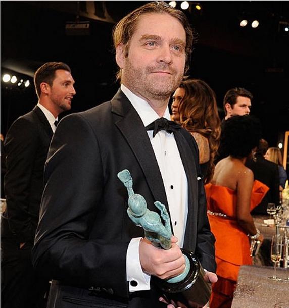 Zach ayer en los premios SAG (Foto: Instagram)