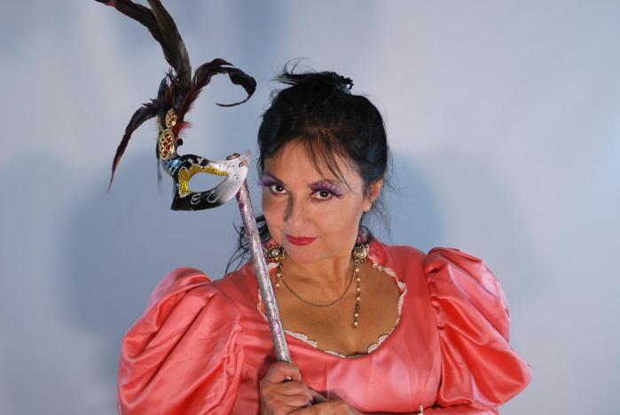 Carolina Marzán (C)