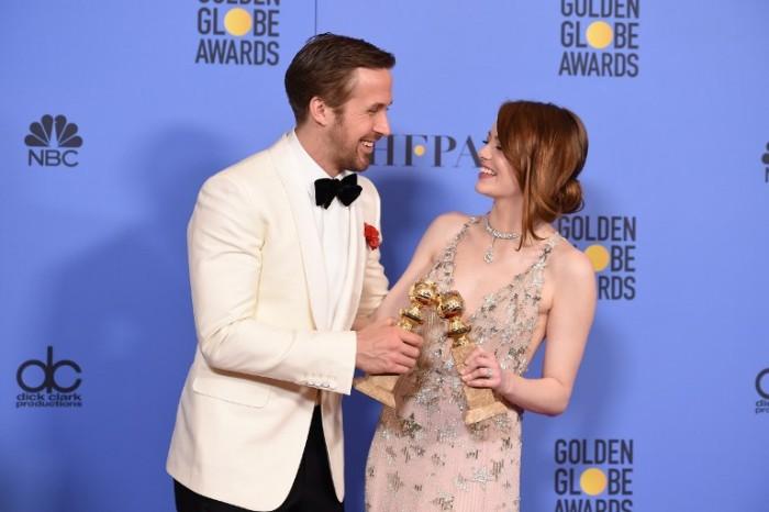 Ryan Gosling y Emma Stone en los Globos de Oro   AFP Photo