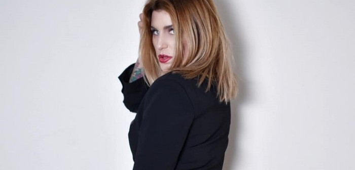 Wilma González Calló A Seguidora Que Le Pidió Pensar En Su Hijo Por