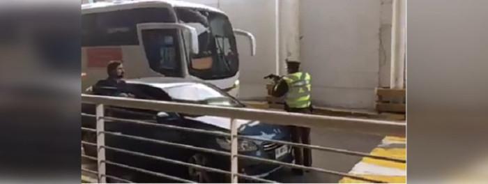 Resultado de imagen para Â¿Otra vez? Registran nuevo incidente entre carabinero y chofer de Uber en aeropuerto