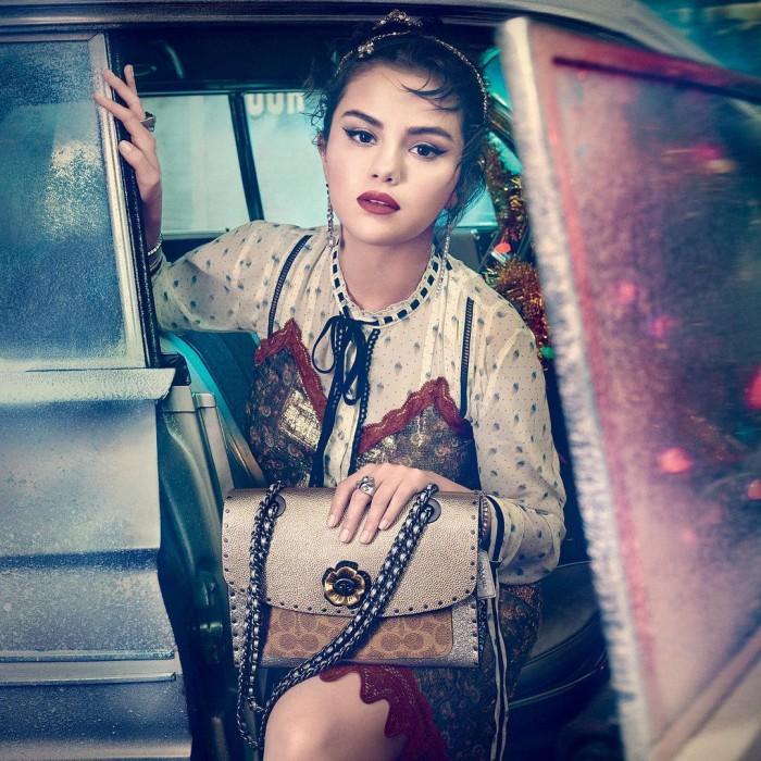 Selena Gomez sale de rehabilitación