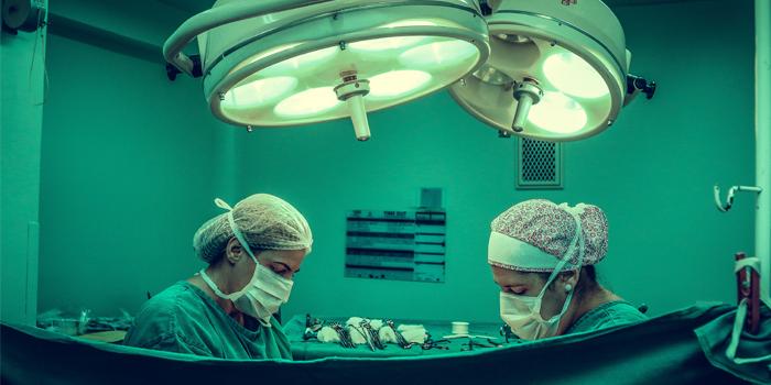 Fallece mujer a la que le amputaron pierna equivocada: médicos fueron imputados