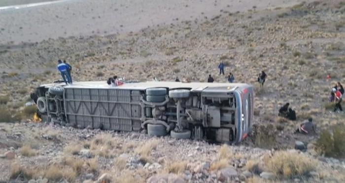 Mendoza: tres muertos y varios heridos en un accidente