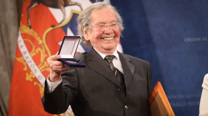 A los 86 años muere ícono del teatro chileno