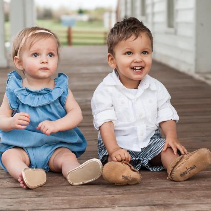 Mujer adoptó a dos niños y descubrió una increíble coincidencia