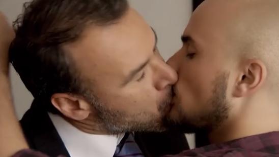 Augusto Schuster protagoniza explícito encuentro homosexual en adelanto de Juegos de poder