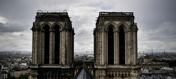¿Embrujada? La leyenda que rodea la construcción de una de las puertas de la catedral de Notre Dame