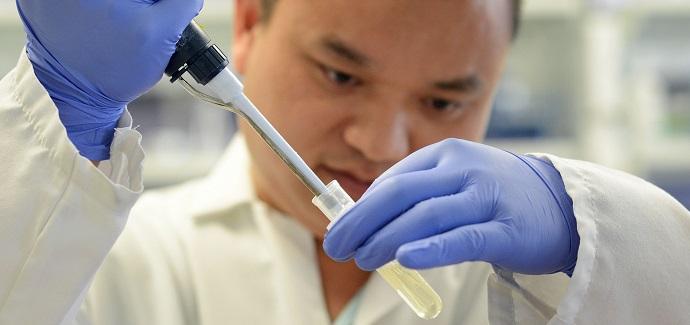 oncólogo chileno explica ensayos de método crispr