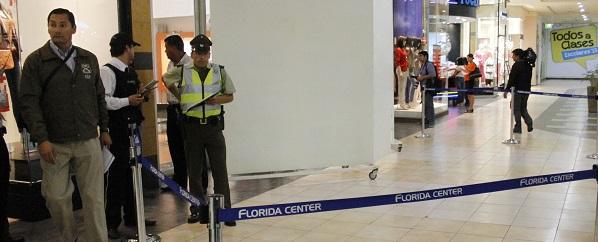 Balacera se registra en el Mall Florida Center tras intento de robo a relojería: hay un detenido