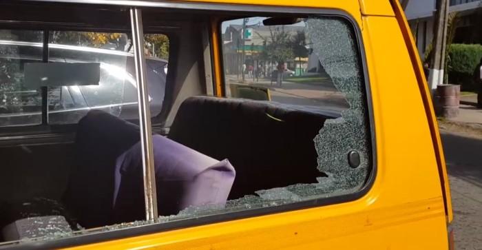 El funcionario fue impactado mientras conducía su automóvil