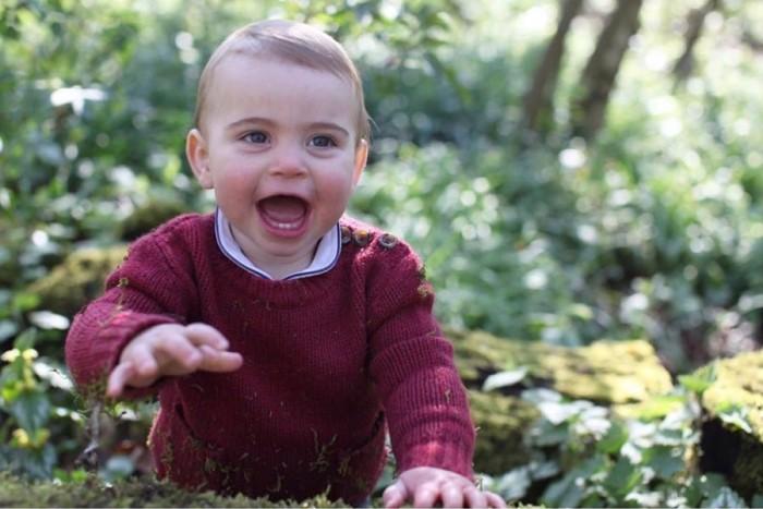 William y Kate comparten nuevas fotografías de su hijo Louis en vísperas de su primer cumpleaños