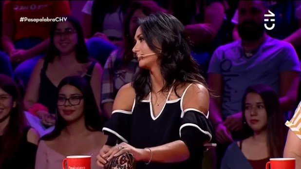 Pamela Díaz mostró contenido de su estuche en Pasapalabra