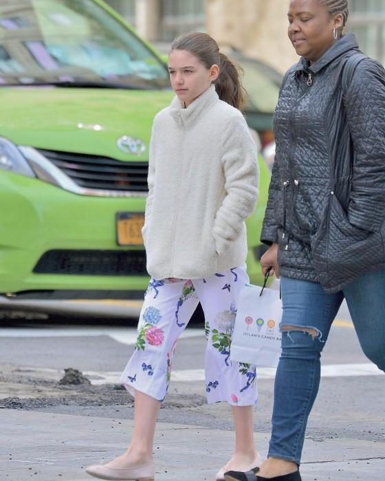 Hija de Tom Cruise y Katie Holmes cumplió 13 años y está igual a sus papás