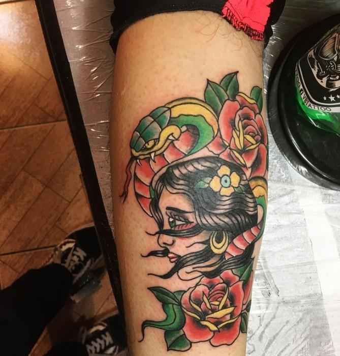 El tatuador Bastián Vivanco explica porqué es otoño e invierno son buenas fechas para hacerse un tatuaje