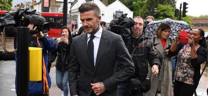 Retienen licencia de conducir de David Beckham