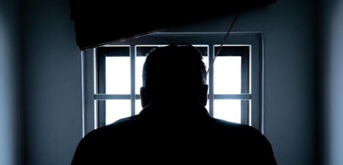 hombre es condenado a 20 años de carcel por violar a su hija de 13 años