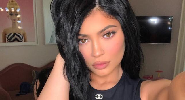 Kylie Jenner lució osado vestido semitransparente