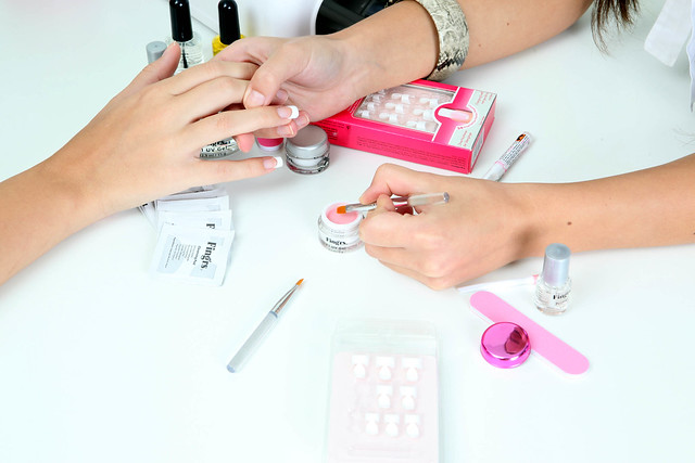 tendencia de manicure Egg Nails