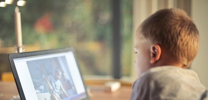 la importancia de los niños y su acceso a internet