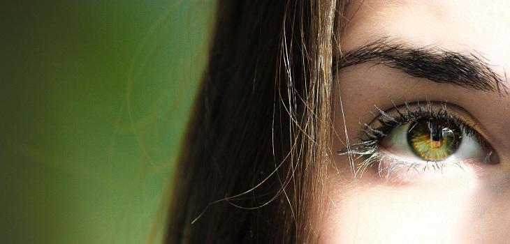 por que se producen los temblores de ojos