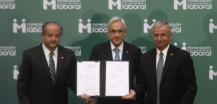 Sebastián Piñera presento proyecto de reforma laboral