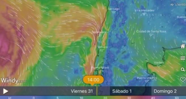 Plataforma Windy captó el momento justo en que tromba ingresa al Gran Concepción