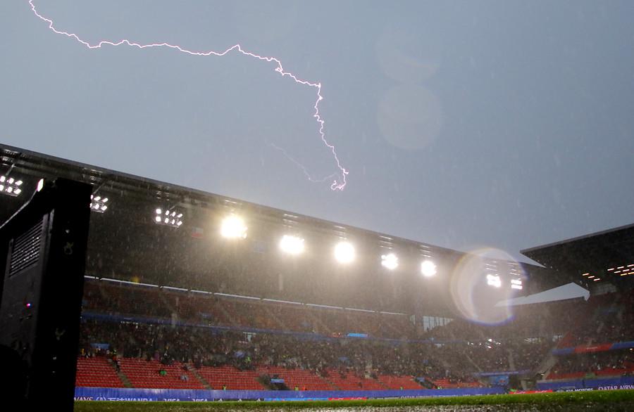 Tormenta en partido Chile Suecia