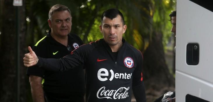 La divertida orden que Gary Medel le dio a los hinchas de la Roja en Brasil