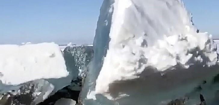 Tsunami de hielo en Rusia
