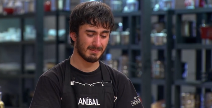 La frustración le ganó a Aníbal y fue eliminado de MasterChef