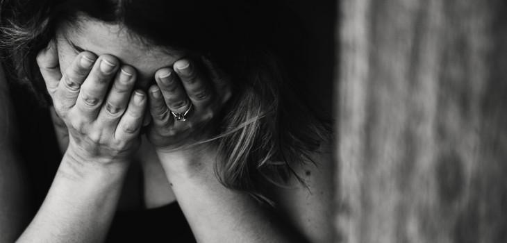 Mujeres tienen más depresión que los hombres en Chile
