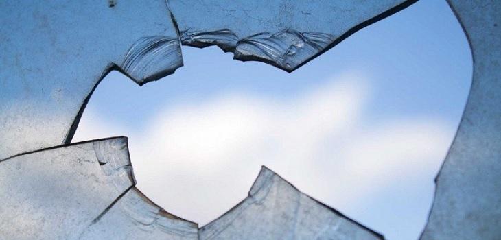Tras un accidente: joven tuvo trozo de vidrio incrustado en la mejilla durante cuatro semanas
