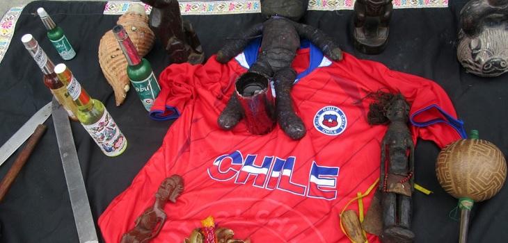 Chamanes peruanos realizan conjuro para que su selección le gane a Chile en semifinales