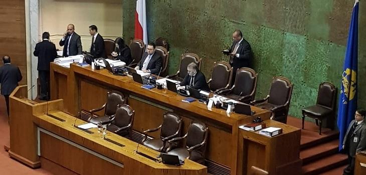 Diputado Pepe Auth votó a favor de Admisión Justa por error