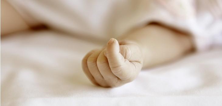 bebe fue abandonado en hospital el carmen