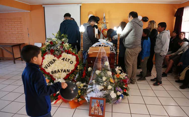 Menor murió atropellado escando de jauría de perros en La Serena
