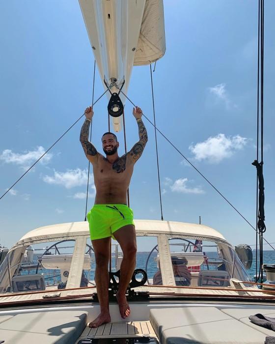 Maluma vacaciones six pack Instagram