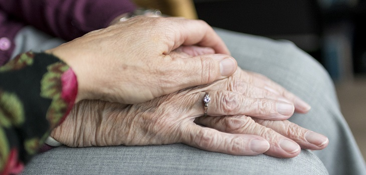 acompañar a adultos con demencia