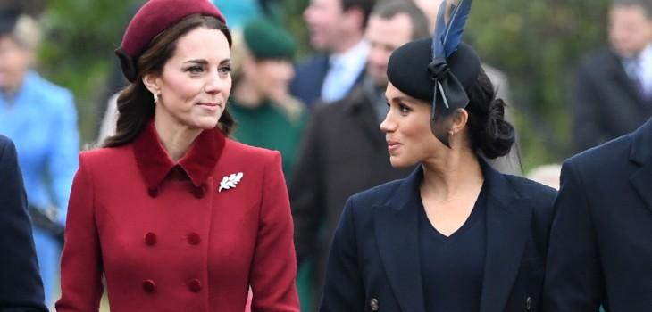 Meghan Markle y Kate Middleton se besaron en apoyo a la comunidad gay...pero en una obra
