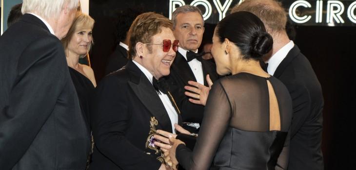 Elton John defendió a Harry y Meghan de las críticas por sus viajes