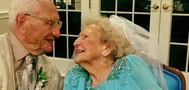 Ancianos se casan con cien años