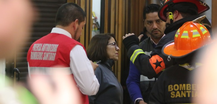 Dos ascensores cayeron desde séptimo piso en el centro de Santiago