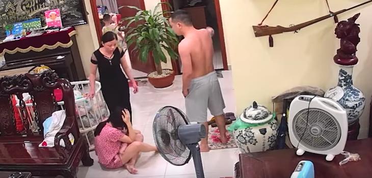 Brutal paliza de un maestro de artes marciales a su mujer mientras sostenía a su hijo en brazos